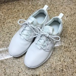 Nike W Roshe two si (size 8)